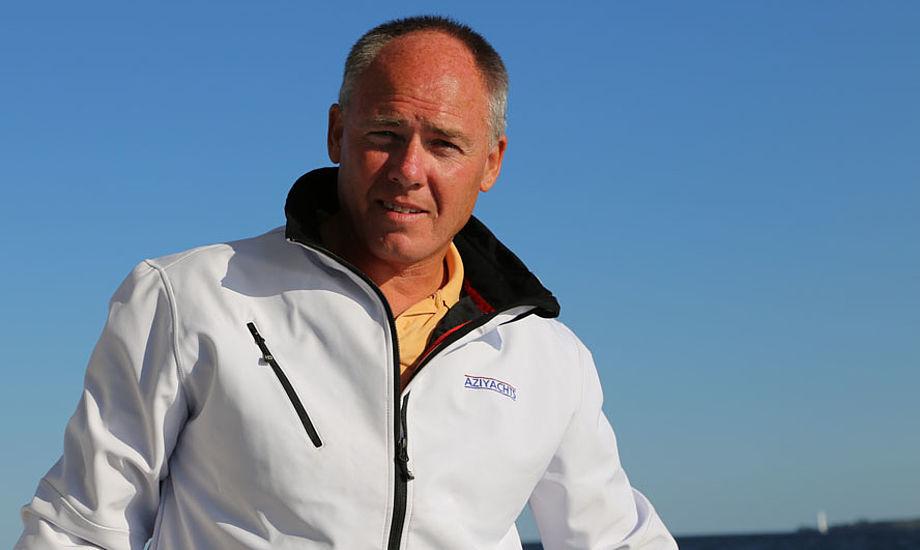 Henrik Laugesen fra Kalundborg blev 48 år. Her ses han i august under en Azimut 43 test. Foto: Troels Lykke