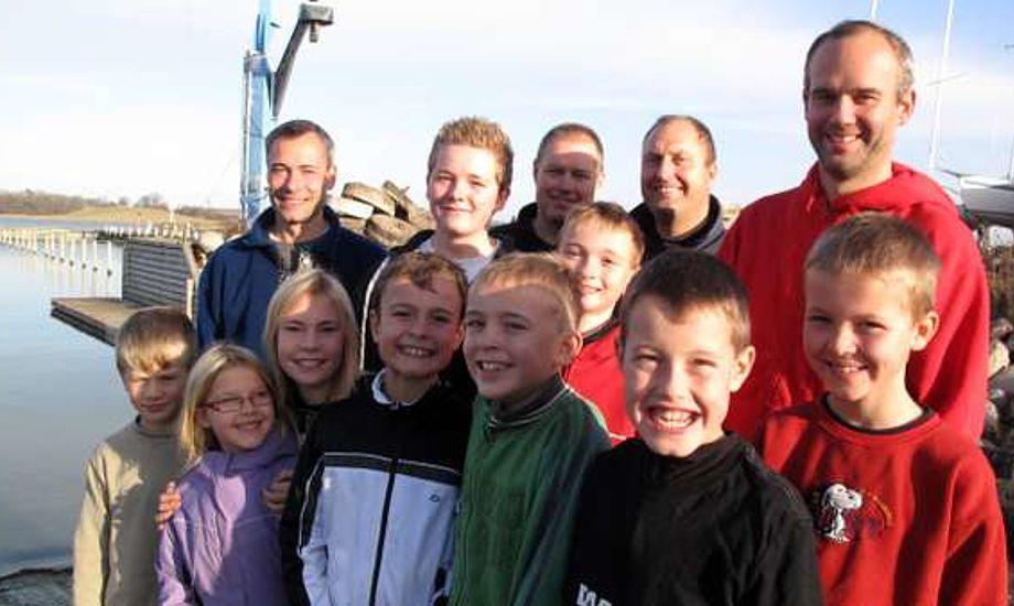 Herslev Strand Sejlklubs junior-afdeling. Glade frivillige og glade unge sejlere - det hænger sammen. Foto: Troels Lykke