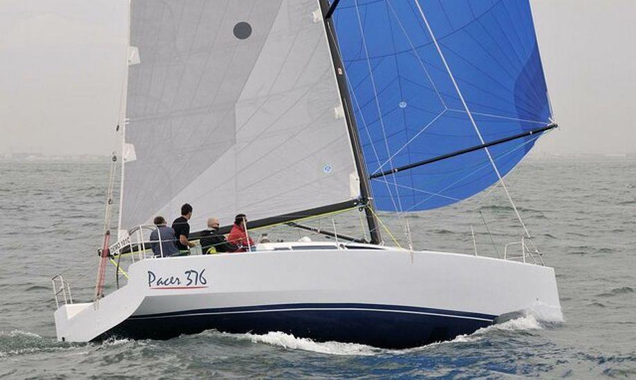 Båden är konstrueret af den mere og mere kendte duo Simonis & Voogd.