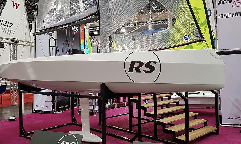 Det er muligt at tilkøbe en eldrevet motor til RS 21'eren, som kan ses på Boot frem til den 28. januar. Foto: Troels Lykke