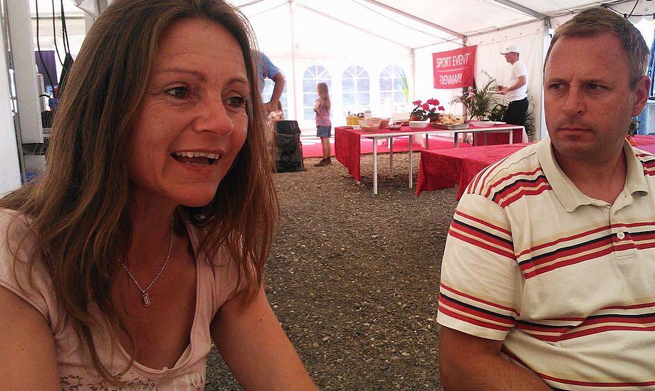 Anja Olsen og Kenneth Bøggild er her i interview med minbaad.dk, mens vi venter på vind ved OK-VM. Foto: Troels Lykke
