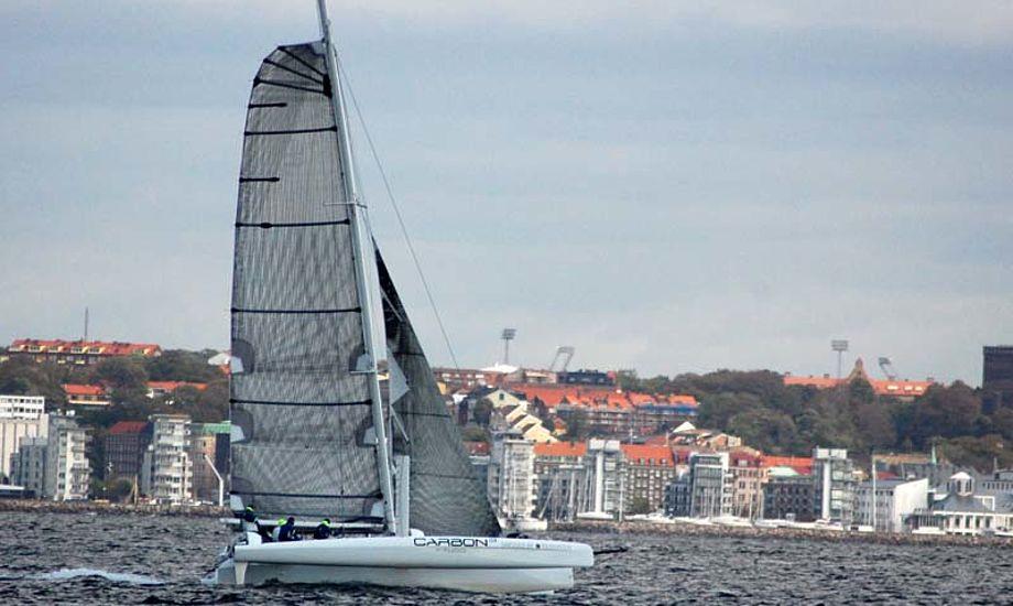 Carbon3 ses her ved Helsingør for få timer siden. Tak til Rune Neumann for billedet.