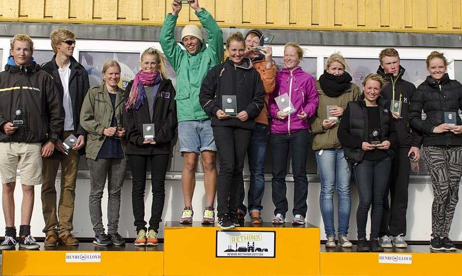 Fra venstre Jacob Cholewa, Stefan Siggaard Andersen, Malene Christensen og Trine Bentzen vinder 2. præmien til Hold DM 2012. Foto: Christian Rindom