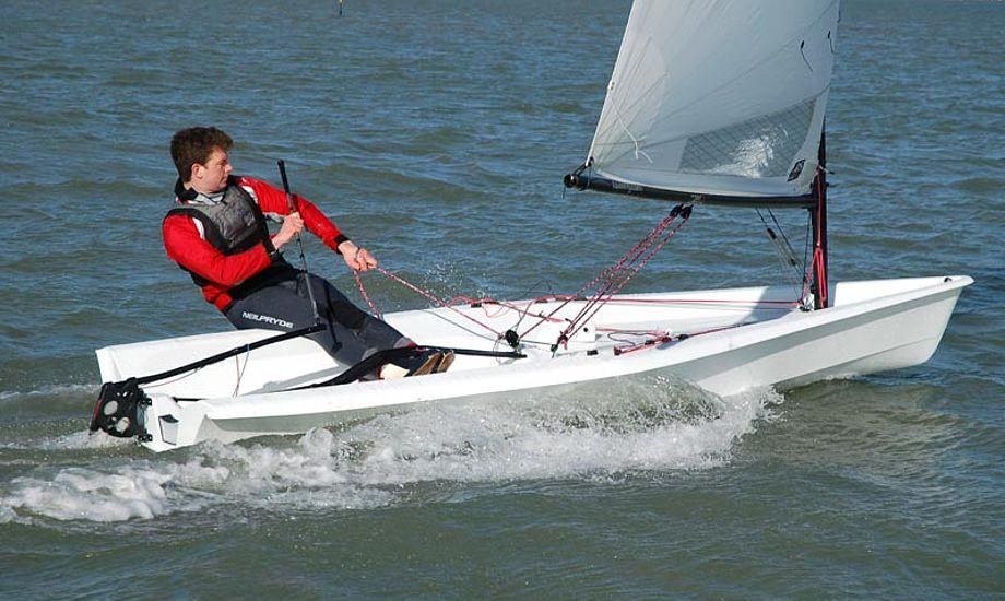 RS Aero kommer i tre rigstørrelser. Foto: RS Sailing