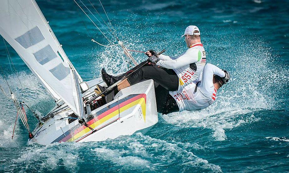 Robert Stanjek og Claus Olesen var 3. bedste Starbåd i fredagens hårde vejr. Foto: Gilles Martin-Raget/Star Sailors League