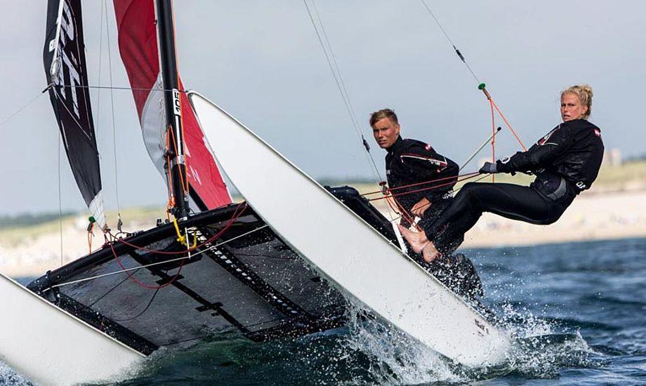 Nicolaj Bjørnholt, her med Trine Bentzen i Hobie 16. Foto: Jasper van Staveren/sailshoot.com