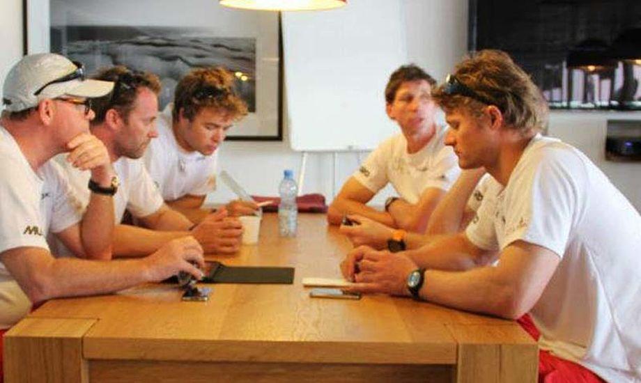 Køstner, Gram-Hansen og Hviid og andre fra det danske Extreme 40-hold ses her i Oman i sidste uge.