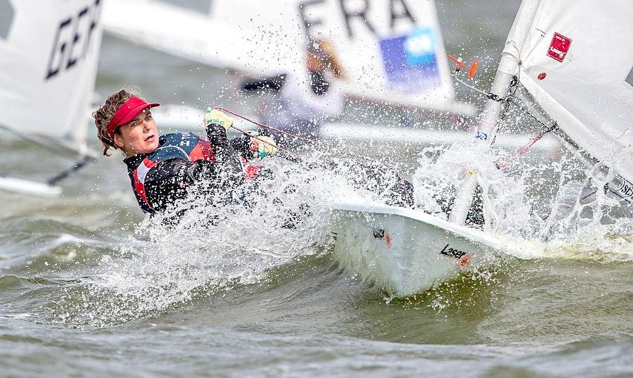 Anna Munch sejler på fuld tid i Laser Radial, sideløbende med hun stadig sejler Europajolle. Foto: PR-foto.