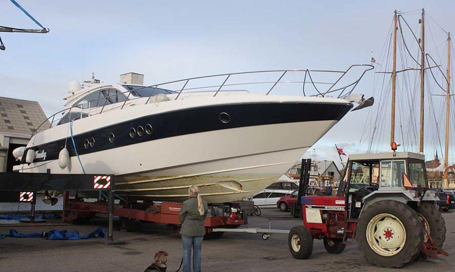 På Horsens Yachtværft kan man få forskellige servicepakker. Fx en gør-det-selv pakke.