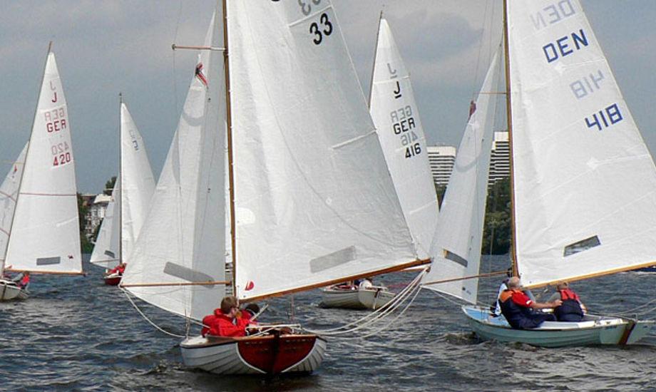 Juniorbåden er let at håndtere for nye sejlere