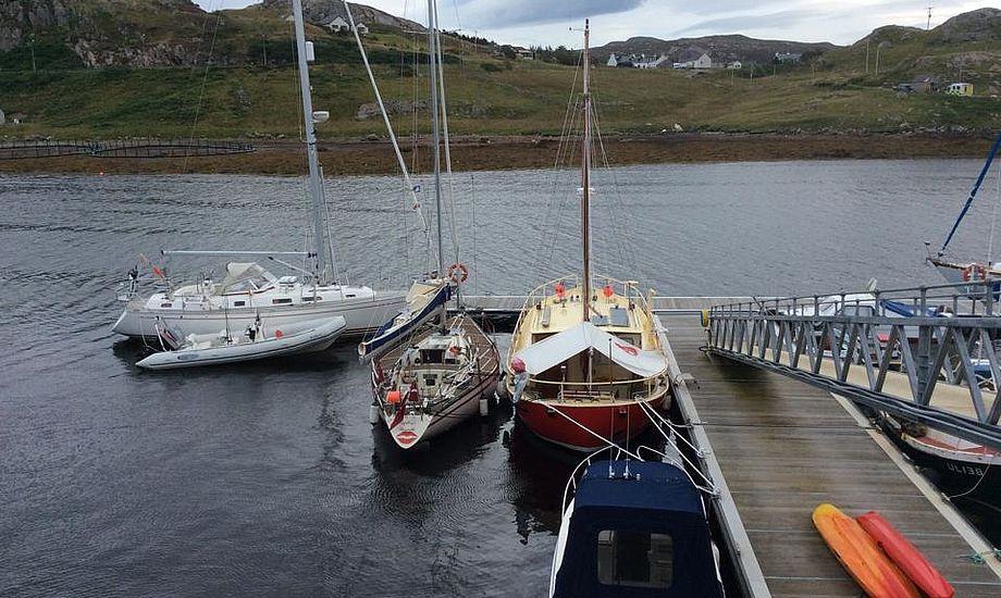 Havnen i Kinlochbervie med Lipstick i anden position. Foto: Erik Venøbo