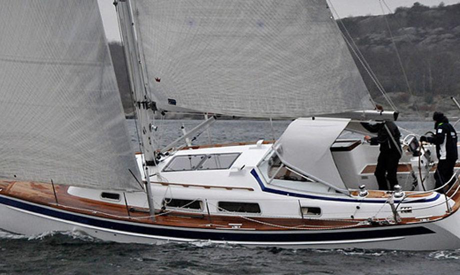 Halberg-Rassy 372 med Elvstrøm sejl