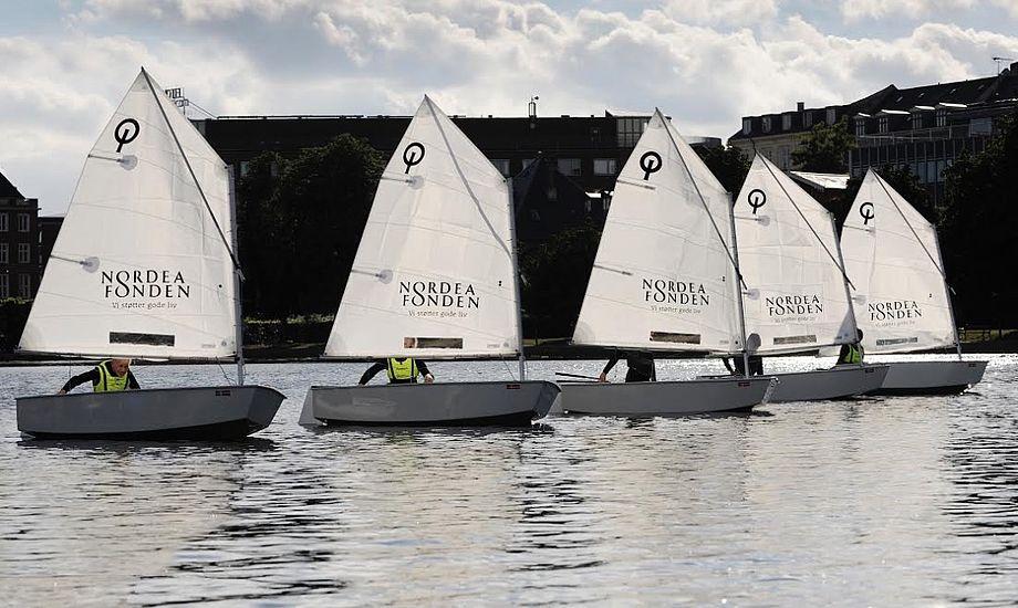 Ud over ny bådebro har Søernes Sejlklub investeret i fem nye Optimistjoller. Foto: Niels Jørgensen