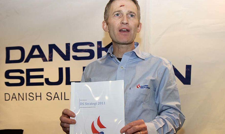 DS Formand, Hans Natorp præsenterede stolt strategi rapporten i Fredericia
