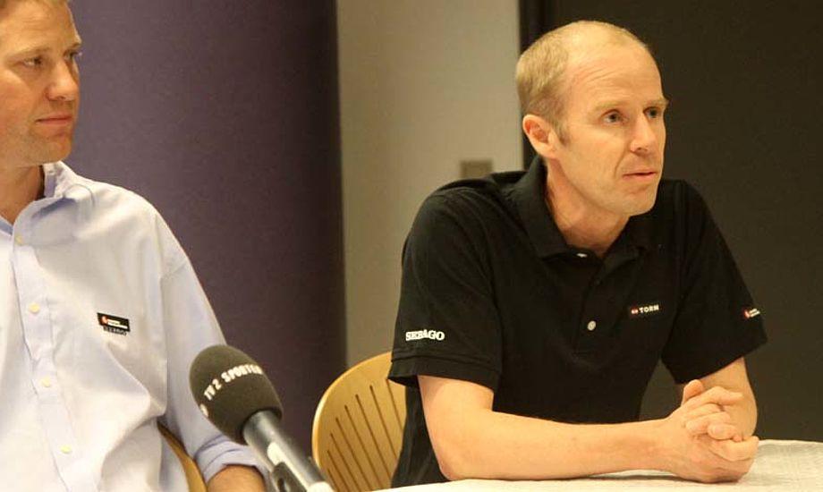 Thomas Jacobsen tv. tiltrækker stjernesejlere, som Sten Mohr, der nu er tværfaglig strateg for OL-sejlere og trænere. Foto: Troels Lykke