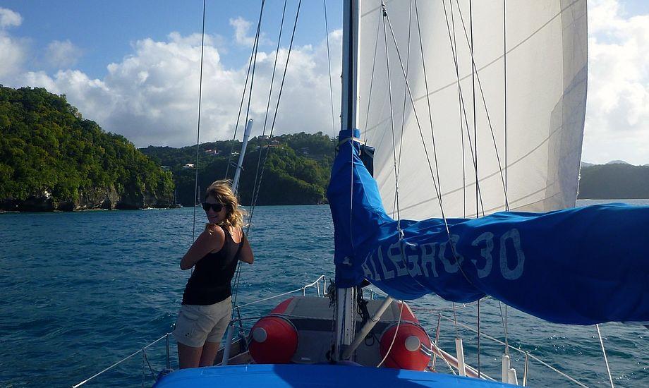 På vej ind til Marigot Bay, St. Lucia. Ville det være bedre, hvis vi kunne sejle hurtigere mellem ankerstederne?