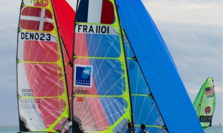 danske 49er-sejlere på Bahamas