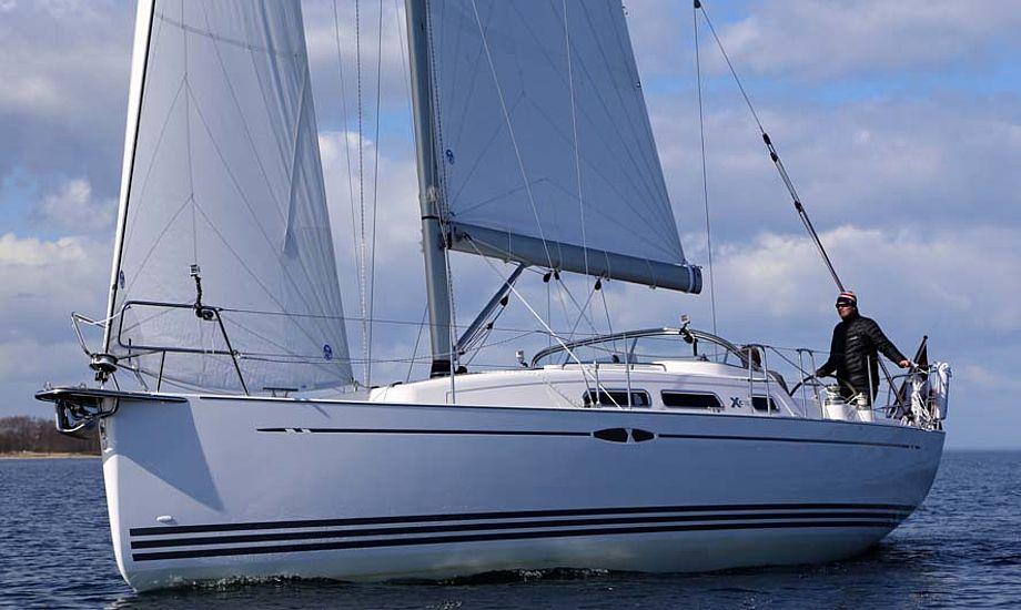 Desværre var vinden let under testen, men den danske Xc 35 sejlede alligevel fint for fok og storsejl. Fotos: Troels Lykke