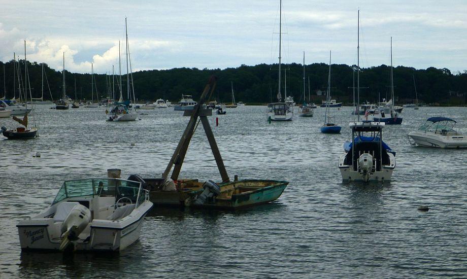 Der er masser af bøjer og både mellem The Hamptons og North Fork i Gardiners Bay. Foto: Signe Storr