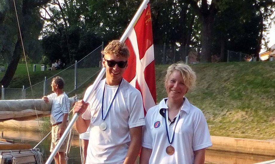 Emil Munch og Anne Mette Laugesen med medaljer