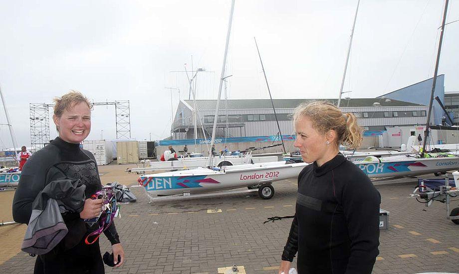 Her ses sejlerne under OL i Weymouth i 2012, et stævne, der ikke flaskede sig godt for 470erne Henriette og Lene, th.. Foto: Troels Lykke