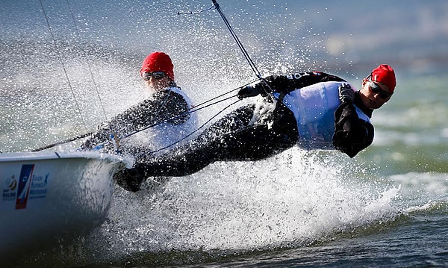 Foto fra forleden af Koch og Sommer i 470. Foto: Mick Anderson/SailingPix