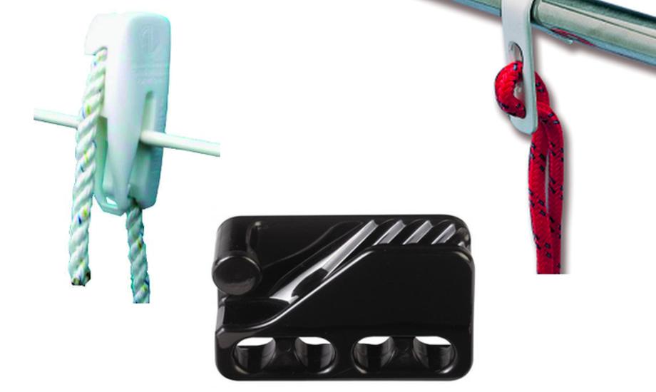 Med en clips i hånden er det langt lettere at montere fenderne i havn.