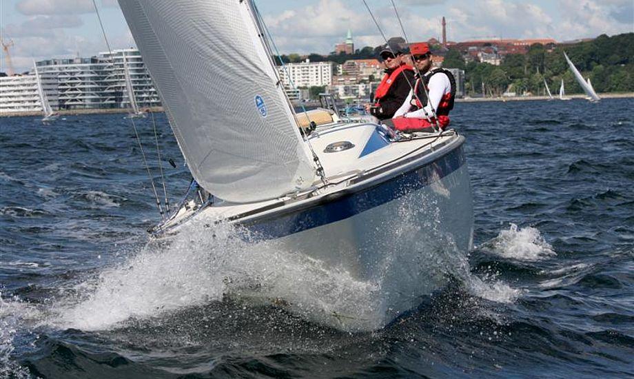 Sejladsen til Samsø er populær og der er kun plads til 110 både i Ballen Havn, derfor er der begrænsning på. Foto: Niels Kjeldsen/Pantaenius