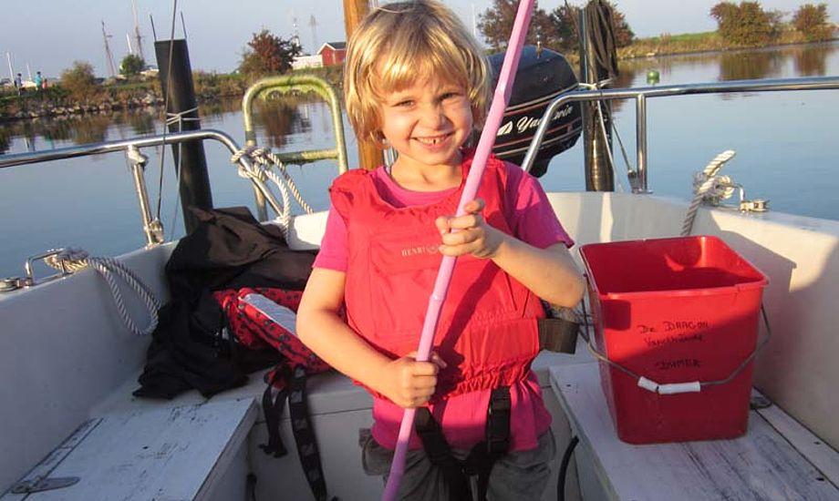 Børn hader at kede sig på en båd. Foto: Troels Lykke