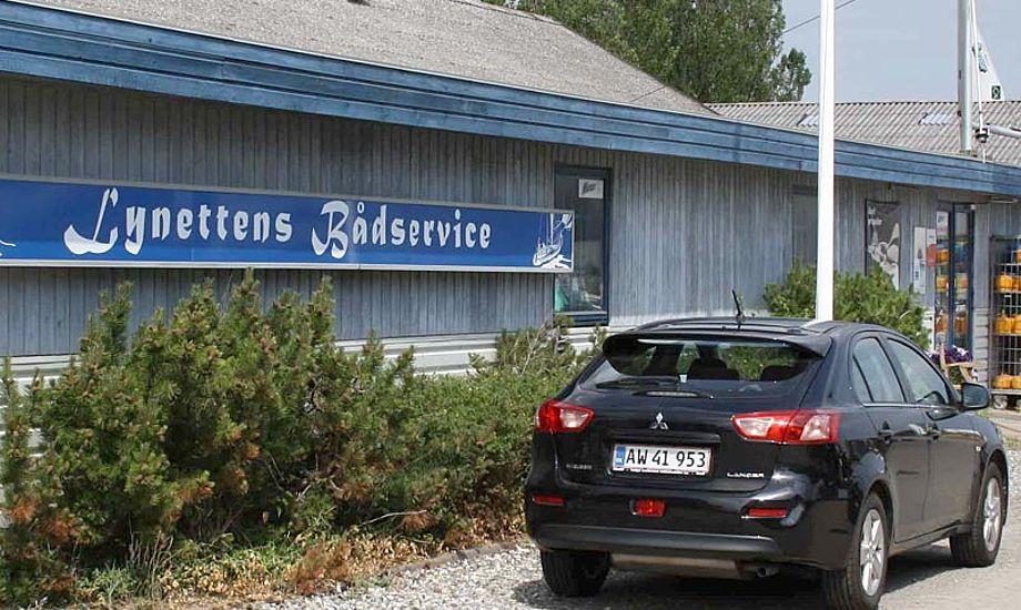 Der har været talt meget om biler i denne føljeton. Her er et billede af Lynettens Bådservice's fru Lise Schlichter's  bil. Foto: Lynettens Bådservice