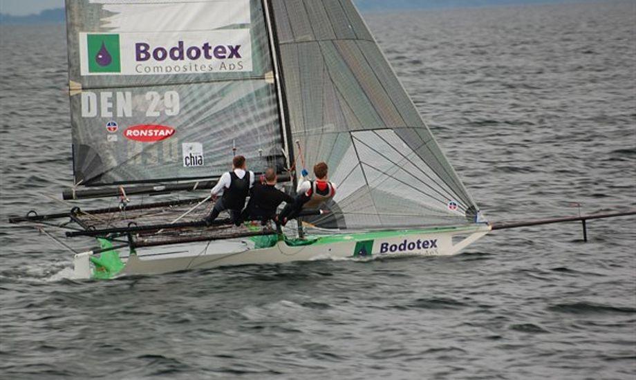 Dansk 18-footer besætning i Sønderborg. Foto: Rasmus Antoft
