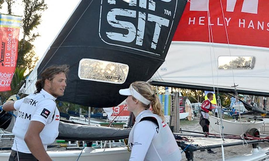 Daniel Bjørnholt og Sofie Slotsgaard på havnen i Cagliari.