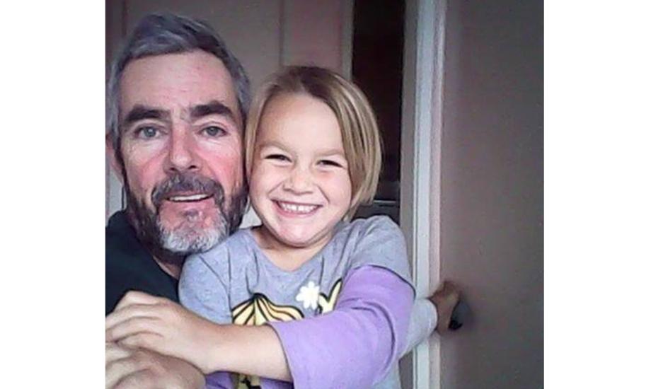 En større eftersøgning blev sat i værk, efter Alan Langdon og datteren blev meldt savnet. Foto: Alan Langdon / Facebook