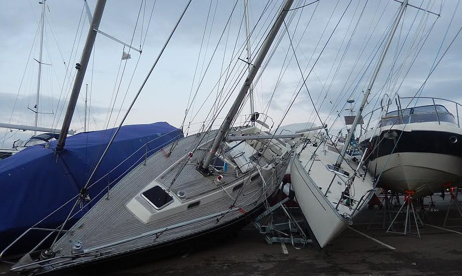 Syv både er væltet på havnen i Helsingør. Foto: Ole Wenzel