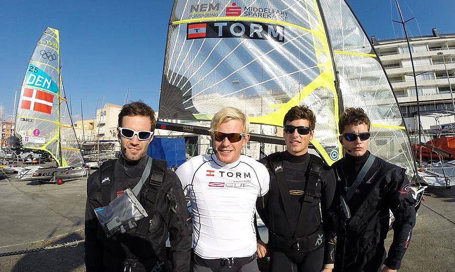 Danske 49er-sejlere og andre fra landsholdet vil blive set med Sebago, Musto og Zhik-produkter.