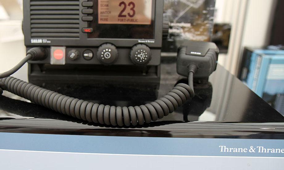 Thrane & Thranes VHF Sailor 6215 er hundrede procent vandtæt. Foto: Troels Lykke