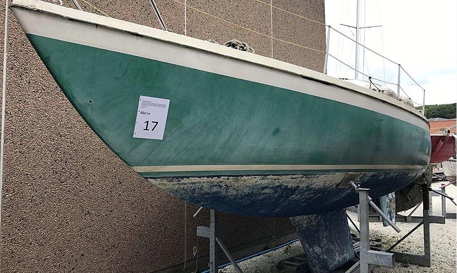 Bådene på auktion er ikke udstyret med meget mere end et nummer. Foto: Vejle Havn