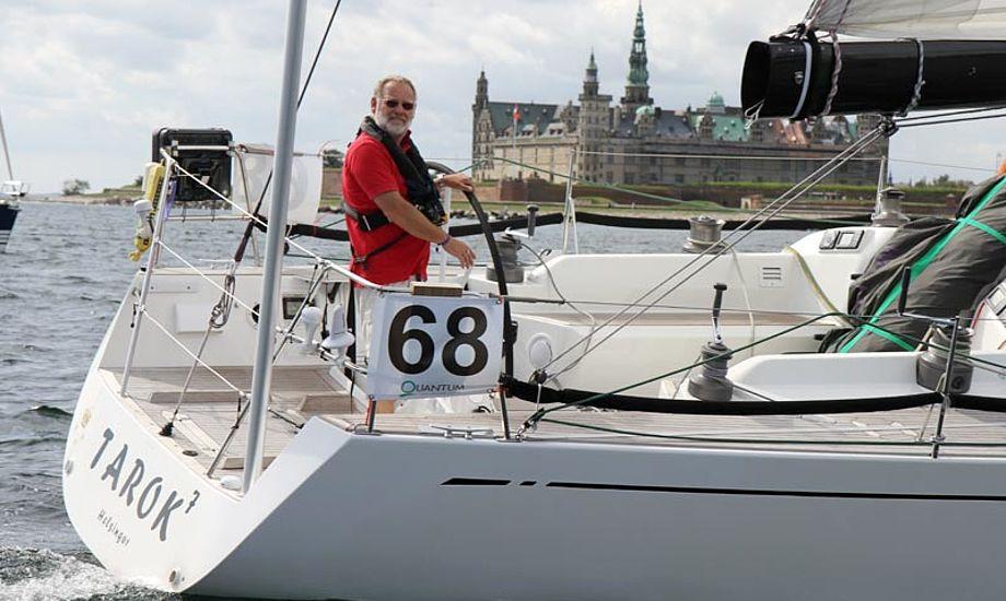 Erik Berth, her i sin Swan 45, Tarok, er en af tovholderne i den nye Danish Big Boat Club. Foto: Troels Lykke