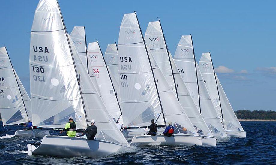 VX ONE-klassen er stor i USA, Australien og New Zealand. Foto: ozarkyachtclub.com