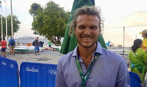 TV 2 sender live fra SailGP med Emil...