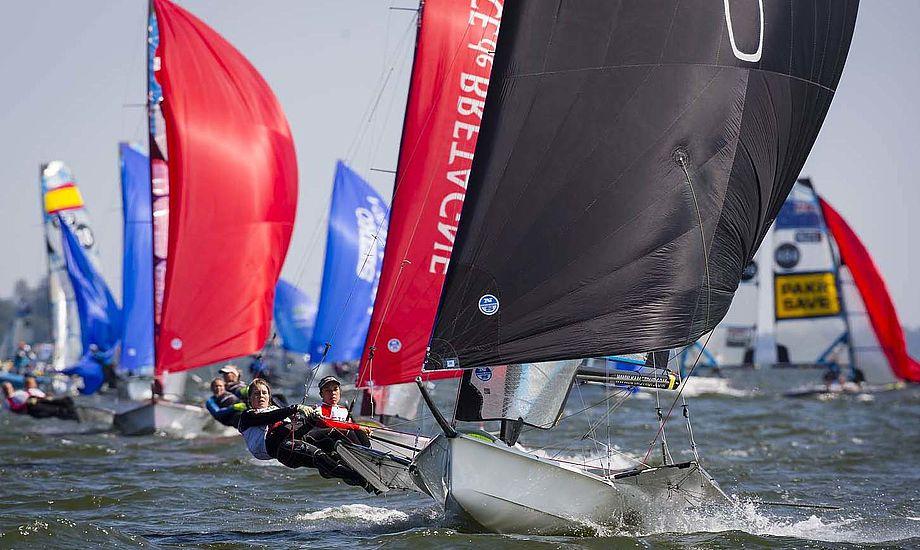 Ida Marie og Marie Thusgaard kan få medaljer i dag. Foto: Mick Anderson/Sailingpix