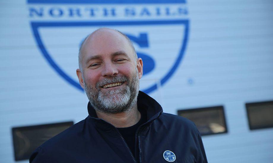Christian Steffensen fra Troense, har fokus på kunder på Fyn og i Jylland, men han er også på North Sails' nye sejlloft på 1.000 kvm. i Herlev, hvor der i øjeblikket er mere end 400 sejl til vintereftersyn. Foto: Troels Lykke