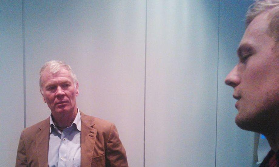 Formand for Danboat Jan Hansen (tv) i samtale med Peters Lang på messen i Fredericia Foto: Troels Lykke