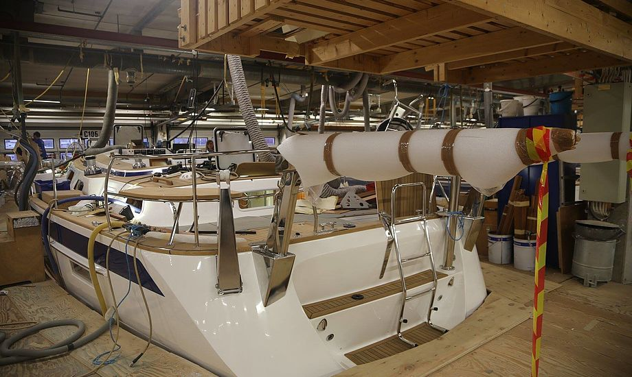 Hallberg-Rassy 57 på vej - 18 meter med centercockpit