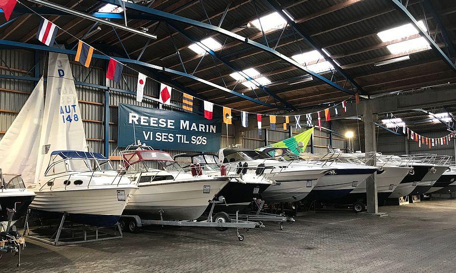 Reese Marin har købt en 3600 kvadratmeter stor hal til opbevaring og udstilling af både. Her er plads til 150 både. Foto: Henrik Reese / Reese Marin.