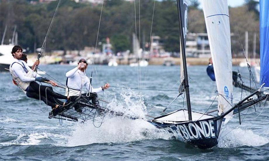 Sejladserne kan ses på TracTrac efter anbefaling fra de Danmark. Foto: 18footers.com.au