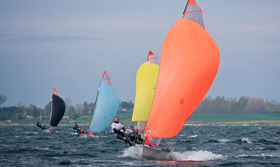 29ere i Kragenæs sejler i flot stil. Foto: Mogens Hansen