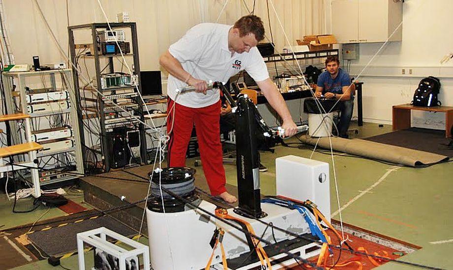 Claus David fra Big Challenge gør sig klar til en tørn med grinderen. Foto: Christian Gammelgaard