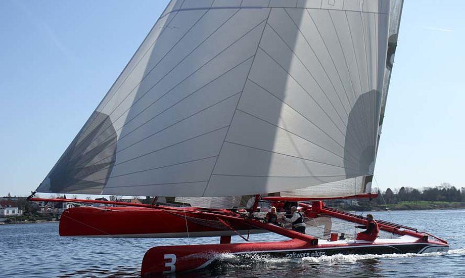 Extreme Challenger sejler ikke i over 12 m/sek. siger Jes Gram-Hansen til minbaad.dk Foto: Troels Lykke