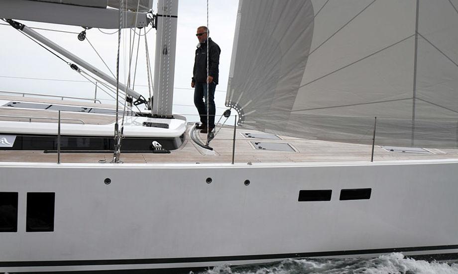 Båden vejer over 18 ton, men var relativ let på rattet. Med diverse udstyr kommer prisen i alt op på 3,3 mio. kroner. Foto: Troels Lykke